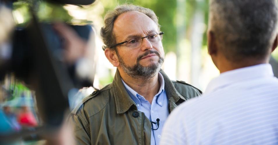"""Ernesto Paglia discute a reação de pessoas diante de situações injustas na nova série """"Vai Fazer O Quê?"""" , no ar 21/07"""