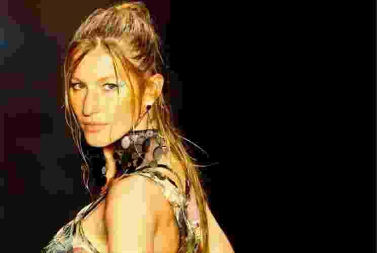 O grande destaque da temporada é a volta de Gisele Bündchen às passarelas do São Paulo Fashion Week como atração da Colcci. Ela não desfila no evento desde o Inverno 2011, quando encerrou seu trabalho como garota-propaganda da marca - Alexandre Schneider/UOL