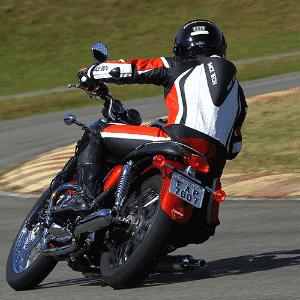 Triumph Bonneville T100 - Mario Villaescusa/Infomoto