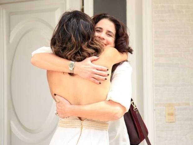 """Em """"Amor à Vida"""", Aline reencontra Mariah, mas esconde que está tentando roubar Bruno de Paloma"""