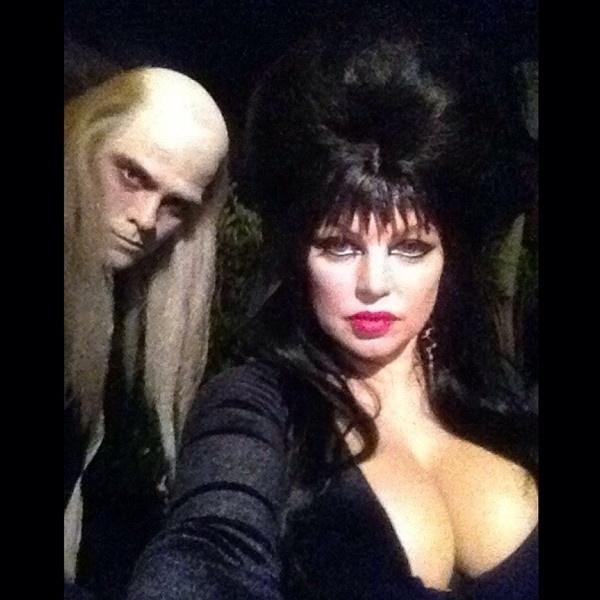 28.out.2013 - Fergie e Josh Duhamel se vestem para as festas de Halloween