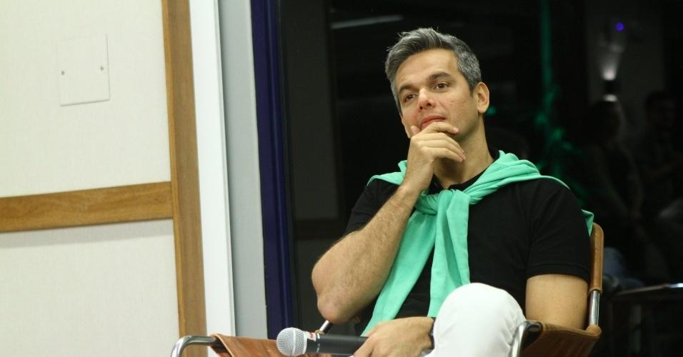 """29.out.2013 - Otaviano Costa se reuniu com a imprensa para o lançamento do novo """"Vídeo Show"""" que irá ao ar a partir de 18 de novembro"""