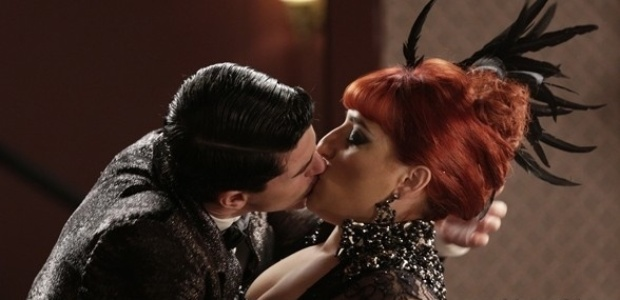 """Em """"Joia Rara"""", Serena e Arlindinho se beijam"""