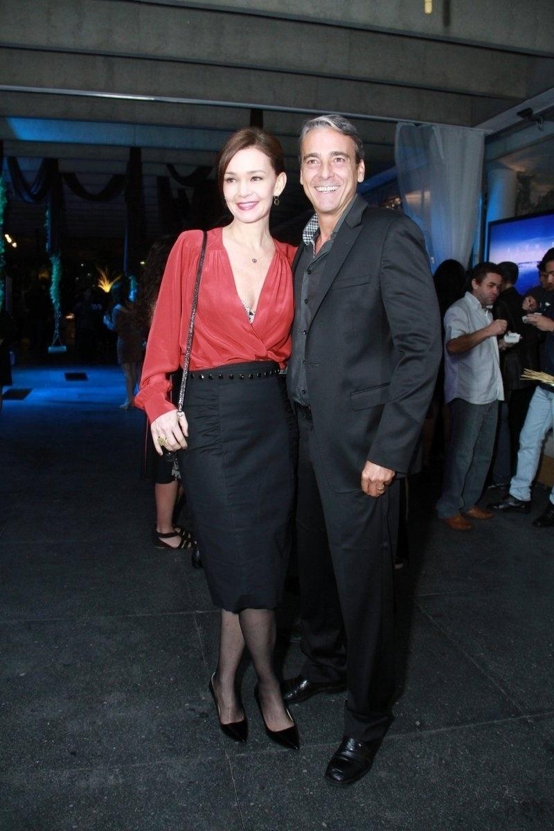 30.out.2013- A atriz acompanhou o marido Alexandre Borges, que está na nova trama das sete