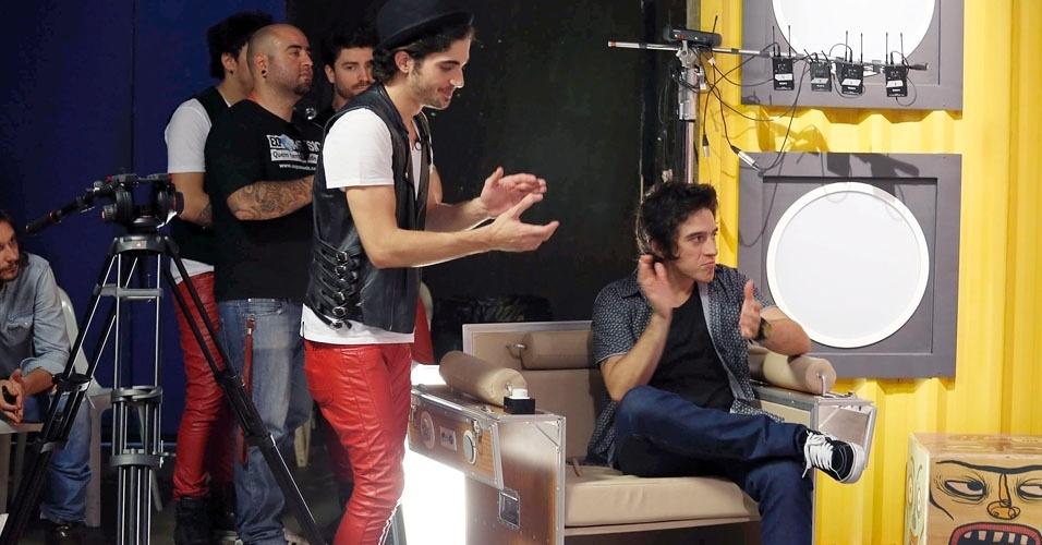 Fiuk e Patrick Maia aplaudem apresentação de Luan Santana no