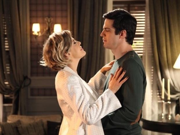 """Em """"Amor à Vida"""", Félix confessa a Edith que financiou sequestro de Paulinha"""