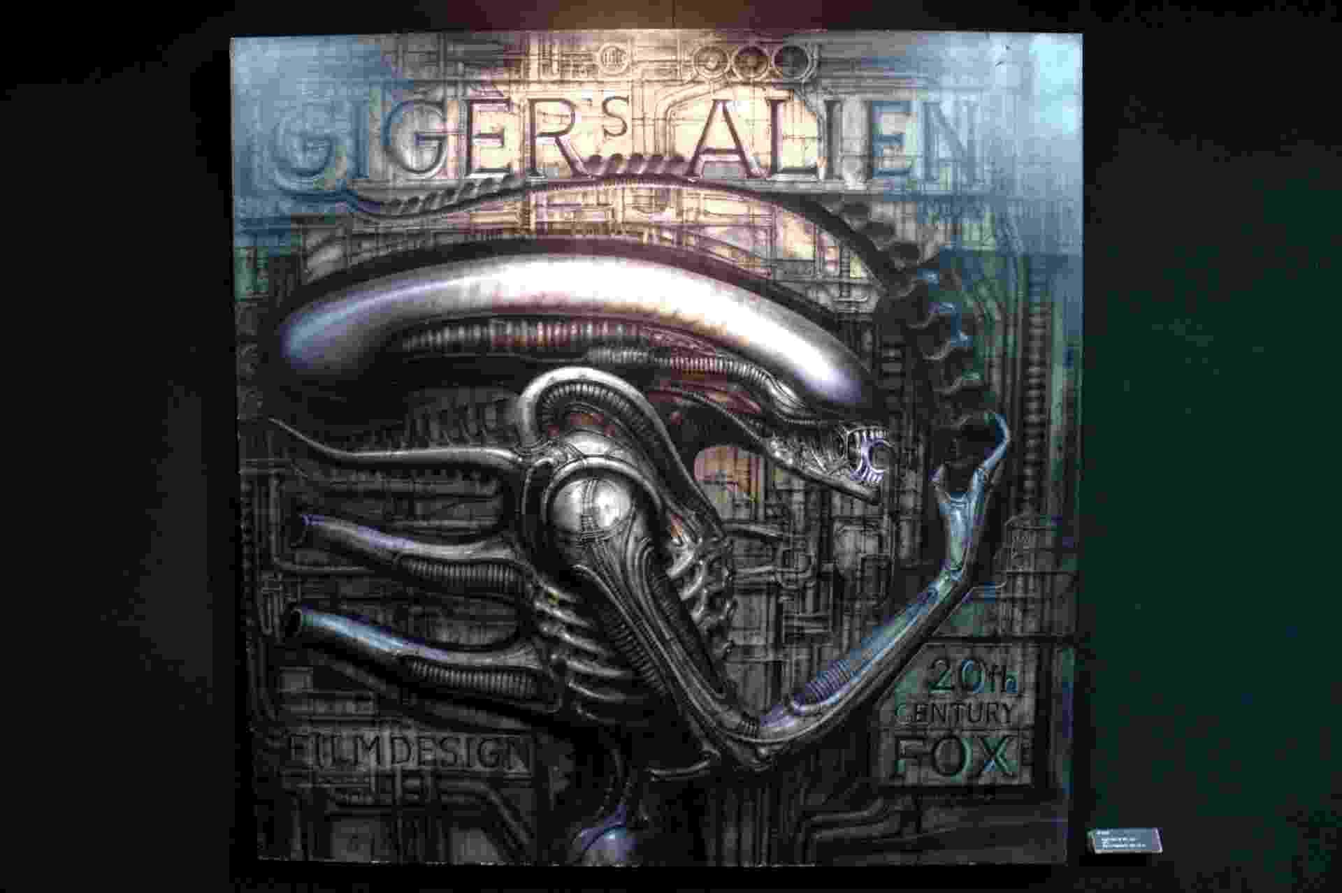 """Impressão digital do trabalho de 1979 feito para a franquia de """"Alien"""" no museu de H.R.Giger em Gruyères, na Suíça - Eduardo Vessoni/UOL"""