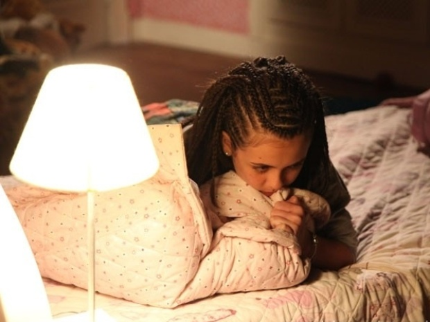 """Em """"Amor à Vida"""", Paulinha coloca dreads no cabelo e causa a fúria de Bruno"""