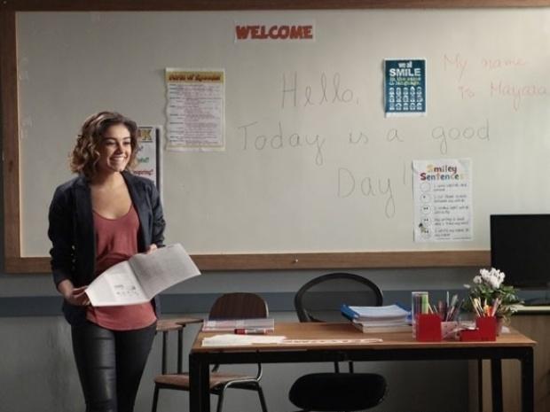 """Em """"Sangue Bom"""", Amora começa a dar aulas de inglês e a fazer terapia"""