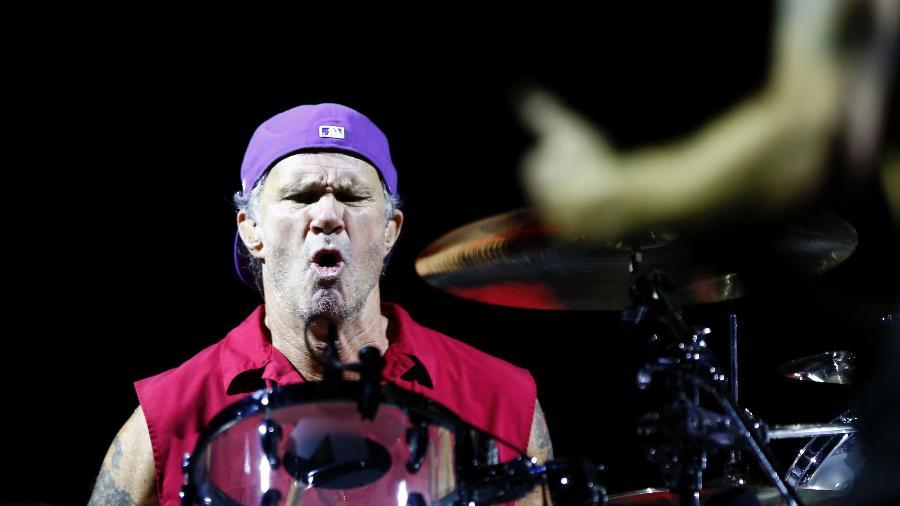 Baterista Chad Smith da banda californiana de Red Hot Chili Peppers durante show em Belo Horizonte, em 2013 - Marcus Desimoni/UOL
