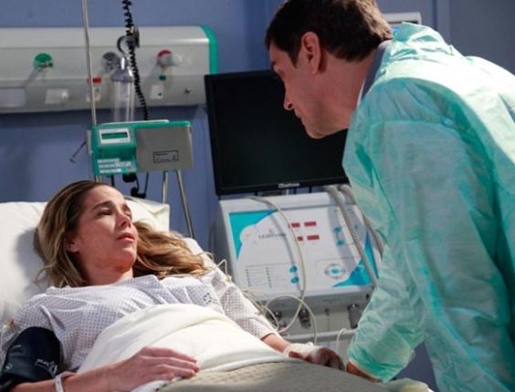 """Em """"Amor à Vida"""", Amarilys acorda do coma e exige uma conversa com Niko"""