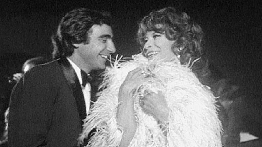 """1968 - Luís Gustavo e Cleyde Yáconis em cena da novela """"Beto Rockfeller"""", na TV Tupi - Divulgação"""