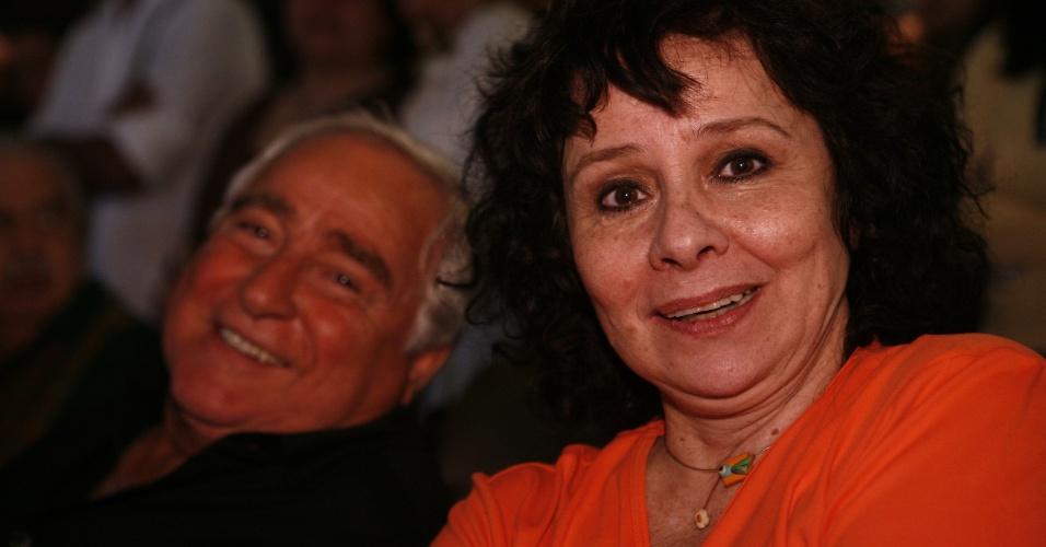 """2008 -  Luis Gustavo e Débora Duarte na estreia de """"Três Irmãs"""", novela da Globo"""