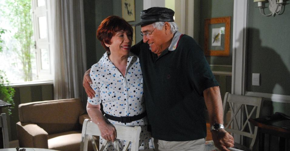 "2009 - Os atores Luis Gustavo e Berta Loran em cena da novela ""Cama de Gato"", da Globo"