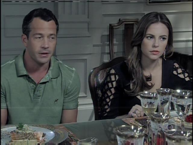Bruno e Paloma comparecem ao jantar promovido por Pilar e Félix