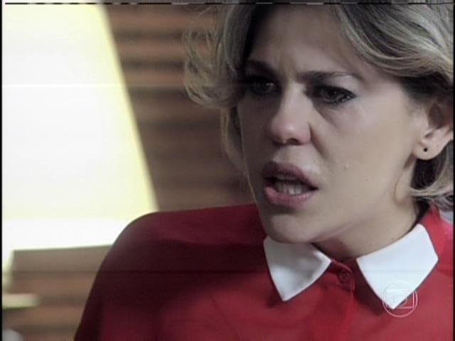 Edith diz que Pilar não era mulher para César