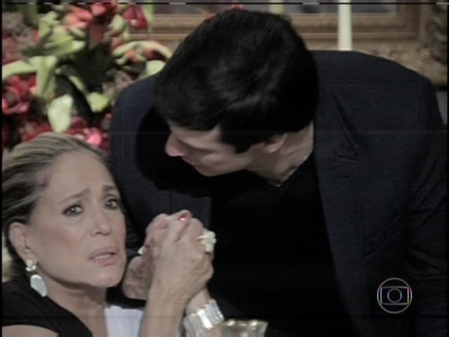Pilar consola Félix
