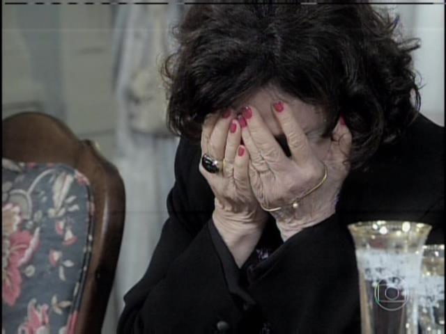 Tamara se desespera ao ouvir revelação de Edith