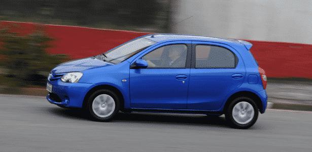 Preços do Toyota Etios variam de R$ 39.950 (hatch) a R$ 53.750 (sedã sem opcionais) - Murilo Góes/UOL
