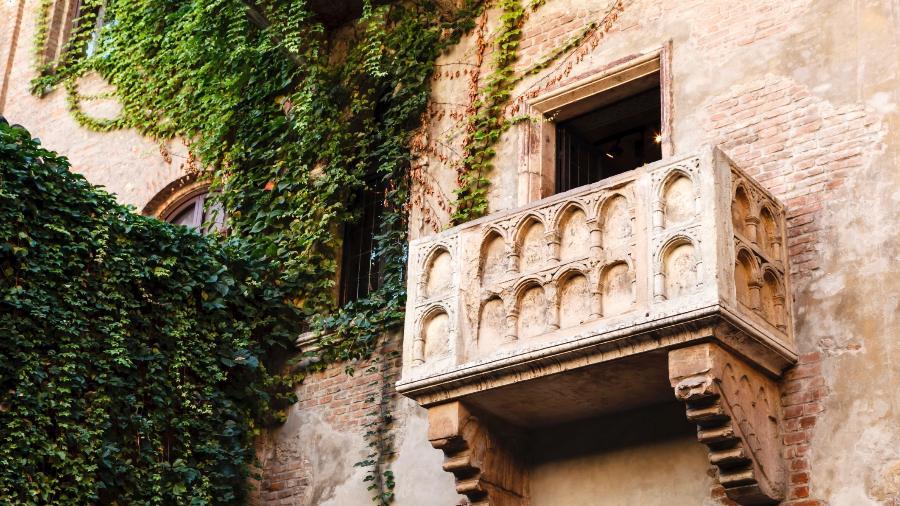 A famosa sacada da casa de Julieta Capuleto , em Verona, na Itália - Thinkstock