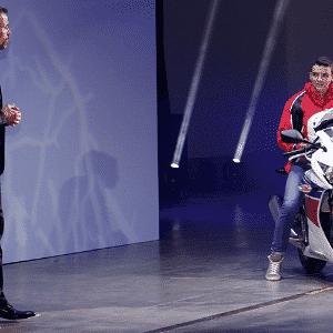 Honda CBR 300R - Artur Caldeira/Infomoto