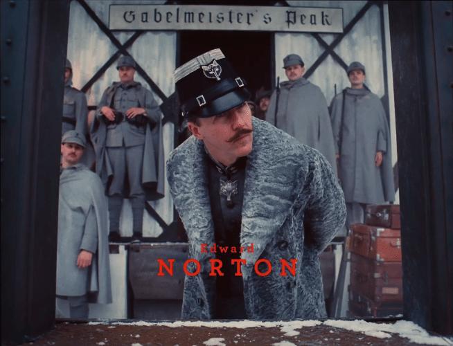 """05.nov.2013 -  Edward Norton em """"O Grande Hotel Budapeste"""", longa-metragem do diretor Wes Anderson"""