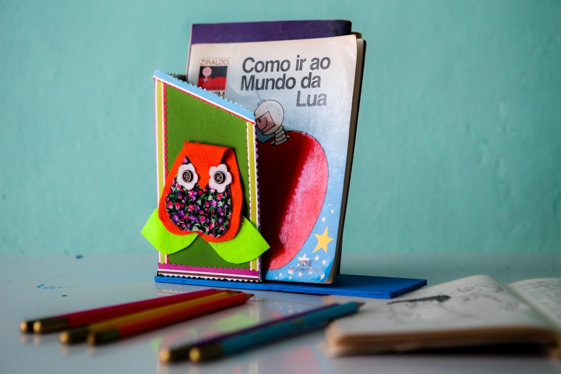 Adesivo Va De Bike ~ Fotos Veja como fazer um aparador para os livros infantis com embalagem de leite  UOL Universa