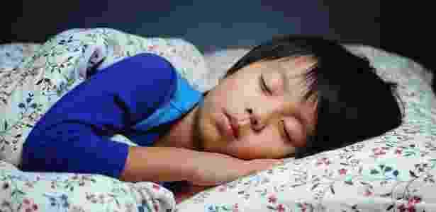 Estudo afirma que um período maior de sono pode ajudar a controlar o peso das crianças - Hung Chung Chih/Shutterstock