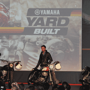 Yamaha SR 400 - Arthur Caldeira/Infomoto