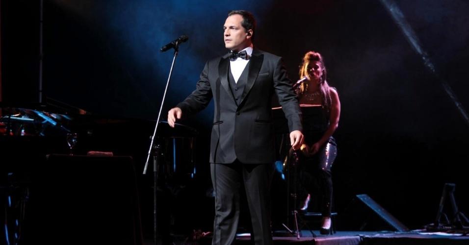 5.nov.2013 - Daniel Boaventura faz apresentação única no teatro Renault, em São Paulo