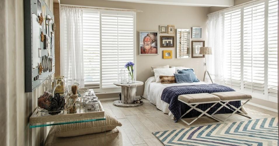 Cores claras e uma atmosfera de calmaria marcam o quarto