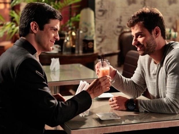 """Em """"Amor à Vida"""", Félix pede perdão para Anjinho e reata namoro"""