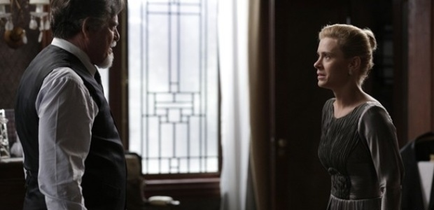 """Em """"Joia Rara"""", Iolanda acusa Ernest de assassinato"""