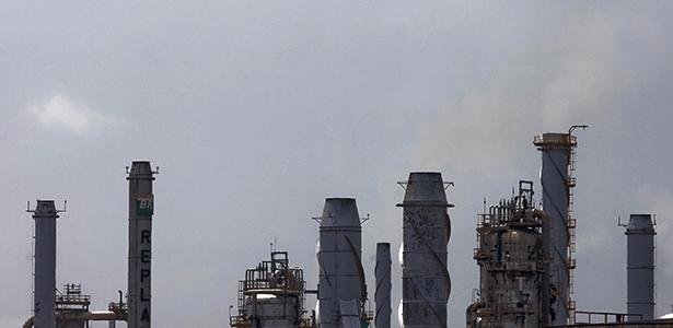 Refinaria da Petrobrás em SP: hoje e sempre, preço dos derivados seguem conveniências da empresa - Eduardo Anizelli/Folhapress