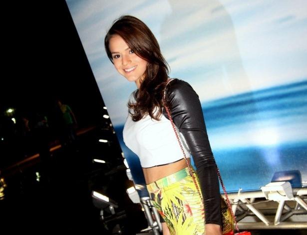 07.nov.2013 - Bruna Marquezine marca presença no segundo dia do Fashion Rio, no Pier Maua