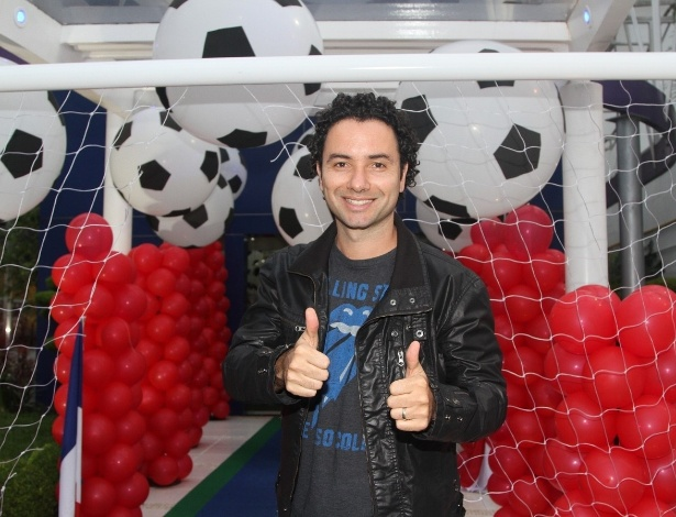 07.nov.2013 - Marco Luque também marcou presença no aniversário de João, filho de Caio Ribeiro