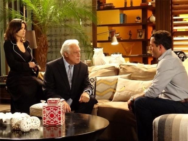 """Em """"Amor à Vida"""", Bruno e César decidem confirmar se Félix foi quem raptou Paulinha"""