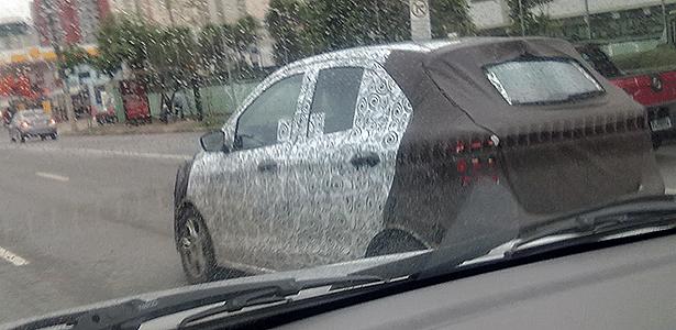 Novo Ford Ka transita sob disfarces na avenida Ricardo Jafet: compacto está prontinho - Gabriel Jacometti Cardoso/UOL