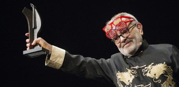 O escritor espanho Fernando Arrabal ao receber o prêmio Teatro de Rojas - Ismael Herrero/EFE