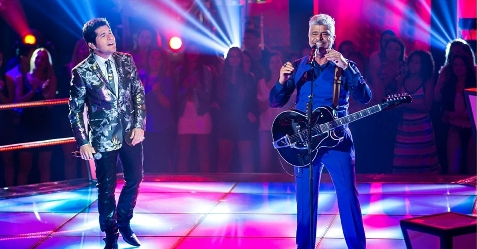 "07.out.2013 - Daniel e Lulu Santos se apresentam no ""The Voice Brasil"""