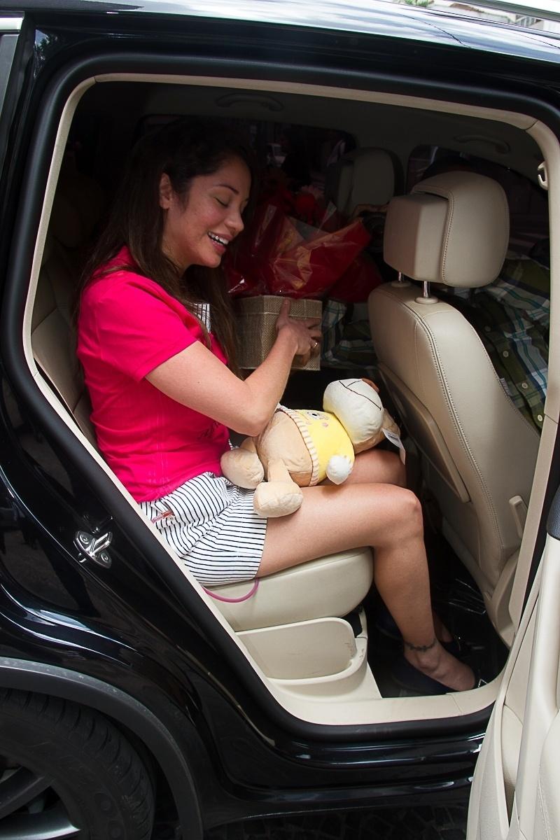 8.nov.2013 - Maria Melilo recebe alta do hospital Sírio-Libanês, em São Paulo, onde ficou internada por cinco dias após operar o fígado por causa de um câncer