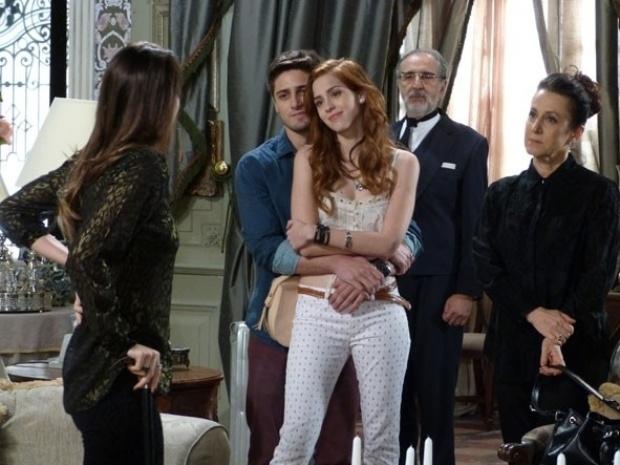 """Em """"Amor à Vida"""", Natasha se muda para a mansão e irrita Leila"""