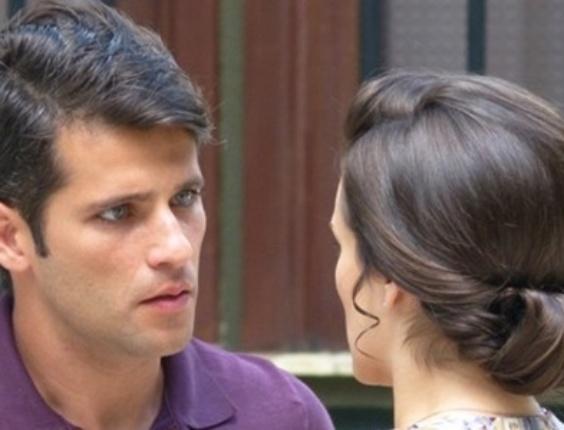"""Em """"Joia Rara"""", Amélia acusa Ernest de tentar matar Mundo e Franz se ofende"""