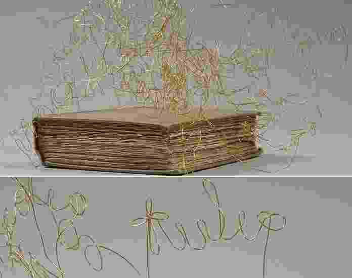 Livros descartados da antiga biblioteca central de Birmingham, na Inglaterra, ganharam vida nova ao serem retrabalhados por artistas - Obra de Clare Whistler/ Foto: David Knight