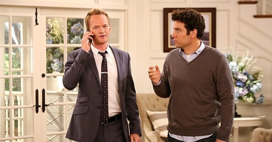 "Neil Patrick Harris e Josh Radnor em cena da nona temporada de ""How I Met Your Mother"""
