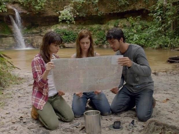 """Em """"Além do Horizonte"""", Assis abandona Marlon, Paulinha e Joana na floresta e trio procura pistas"""