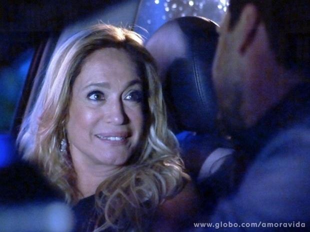 """Em """"Amor à Vida"""", Encontro entre Pilar e Jacques deixa Félix possesso"""