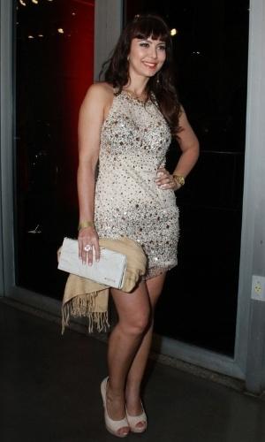 12.nov.2013 - A atriz Simone Soares prestigiou a 15ª edição do Prêmio Extra de Televisão. O evento aconteceu em uma casa de shows do Rio