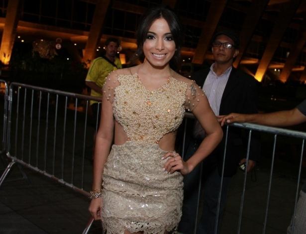 12.nov.2013 - Anitta prestigiou a 15ª edição do Prêmio Extra de Televisão. O evento aconteceu em uma casa de shows do Rio