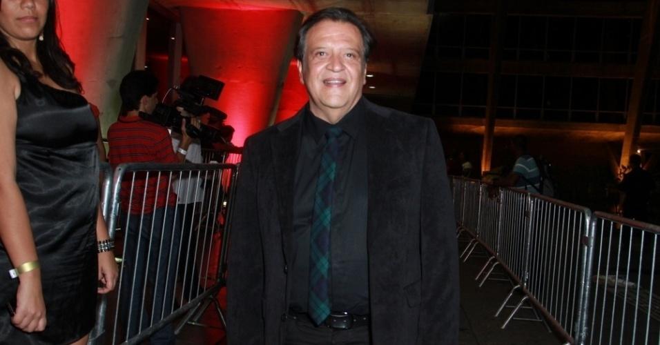 12.nov.2013 - Luís Mello prestigiou a 15ª edição do Prêmio Extra de Televisão. O evento aconteceu em uma casa de shows do Rio
